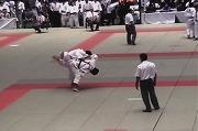 平成14年、全日本学生柔道体重別選手権にて前田壮象選手が-90kg級でベスト16