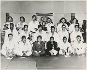 昭和39年5月1-2日、第12回全米柔道選手権にて、植村剛太郎先輩が200ポンド以上級優勝、植村健次郎が200ポンド未満級優勝。
