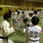 幼稚舎生を指導する平成11年入道さん